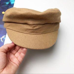 Gap tan felt newsboy hat